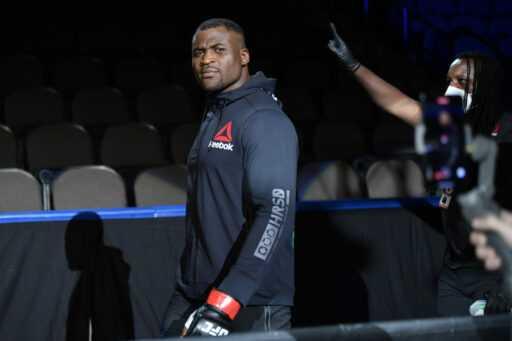 Un commentateur de l'UFC dit que lui et Joe Rogan étaient inquiets lorsque Francis Ngannou a assommé Alistair Overeem