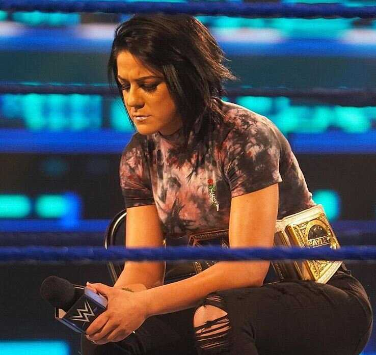 D'Asuka Losing aux Bella Twins attaquant Bayley: 4 pires moments de la WWE WrestleMania 37