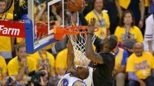 Andre Iguodala révèle pourquoi le blocage emblématique de LeBron James sur lui lors des finales NBA 2016 ne le dérange pas