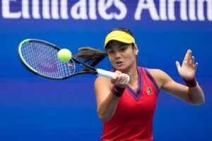 «Ne tenez vraiment rien contre personne»: Emma Raducanu sur les commentaires de John McEnroe sur la retraite à Wimbledon