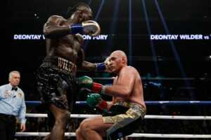 Qui a gagné Tyson Fury contre Deontay Wilder 1 ?  Résultats, statistiques, tableaux de bord, sacs à main et combat complet