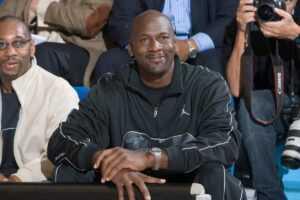 Floyd Mayweather a mis fin au débat Michael Jordan contre LeBron James avec un seul argument